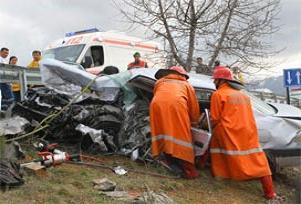 Genç öğretmen kaza kurbanı oldu.17299