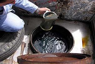 NATO petrolünü vana takıp çaldılar.17172