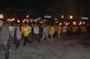 Hakkari'de KESK'ten meşaleli eylem.9181