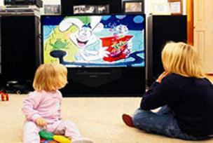 Çocuklara TV izletirken tekrar düşünün.13344