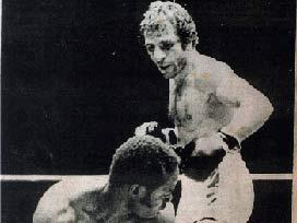 Efsane boksör yıllar sonra ringde.9580