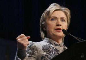 Hillary Clinton dirseğini kırdı.9966