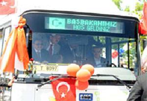Erdoğan otobüsün direksiyonunda.14457