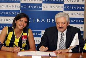 Fenerbaçe file trasferlerine imza attırdı.17017