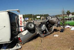 Yurt genelinde trafik kazalar�: 11  �l�.13939