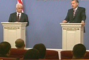 Erdoğan: Kıbrıs çözümünde adres BM'dir.8389