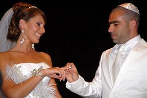 Sivaslı Balili memleketinde evlendi.10165