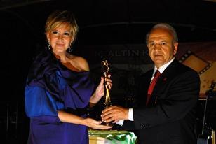 Altın Koza Festivali onur ödülleri verildi.9738