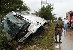 Halk otobüsü TIR ile çarpıştı: 9 yaralı.16547