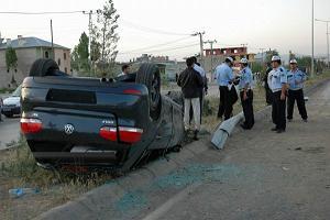 Siverek'te trafik kazası: 1 ölü 3 yaralı.13176