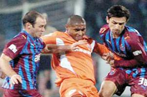 Trabzonspor Tjikuzu ile anlaştı.15539