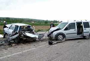 Isparta'da trafik kazası: 1 ölü 5 yaralı.13829