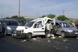 Alanya'da zincirleme kaza: 2 �l�.12086