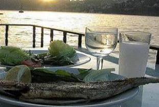 Balık ve beyaz peynir aynı reklamda yok.15681