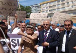 CHP'lilerden Sarıgül'e protesto.17923