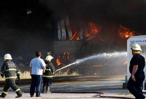 İplik fabrikasında yangın çıktı.10759