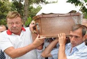 Nuri Alço babasını kaybetti.15012