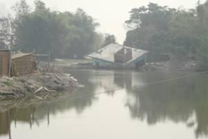 Vietnam'da sel kurbanları 22'ye çıktı.7425