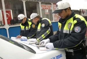 İstanbul'da 27 bin 992 sürücüye ceza.14073