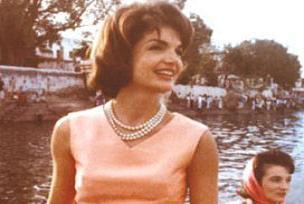 Kennedy'nin karısı hızlı çıktı.13146