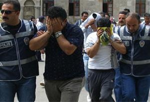 İstanbul'da 40 kişi gözaltında.13797