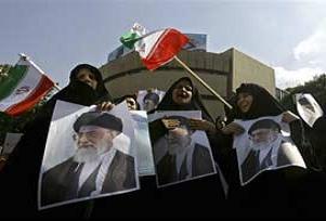 İran'da İngiliz elçiliği çalışanları gözaltında.11295