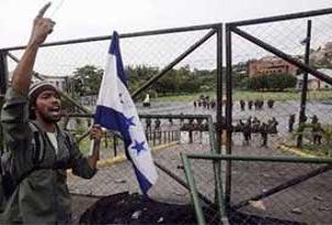 Honduras'ta Anayasal özgürlükler rafta.15506