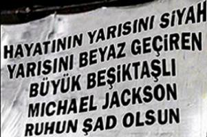 Çarşı'dan Michael Jackson pankartı.16981