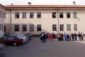 İzmir'deki 500 okula engelli makyajı.10424