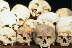 Boş arazide kafatası ve kemikler çıktı.12378