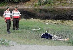 Yaşlı eşini ormanda boğarak öldürdü.14402