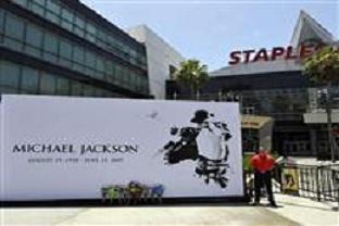 Jackson için 2 saatte 500 bin bilet!.12353
