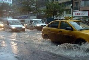 İstanbul'u ani yağmur vurdu.12548