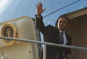 Obama'nın uçağı Rusların ilgi odağı.9409