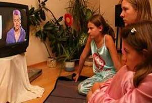 Televizyon aile içi iletişimi koparıyor.13742