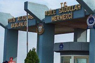 İstanbul'da 2 polis müdürü tutuklandı.13352