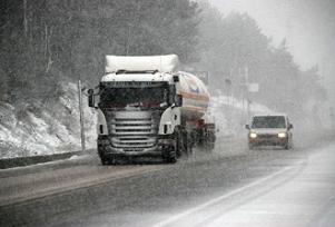 Bolu  Dağı'nda kar, ulaşımı etkiliyor