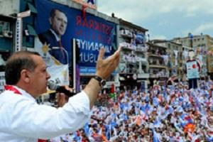 Hopa'da Başbakan Erdoğan'ın konvoyuna