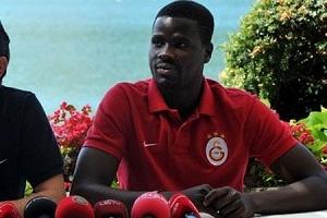 Emmanuel Eboue o ülkeye transfer oluyor!.56084
