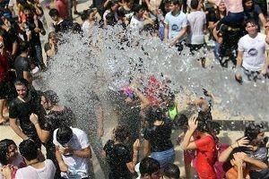 Bu fotoğraf 'Cımcılık Festivali'nden!.35028