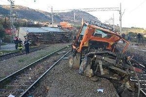 Demir yolunda korkunç kaza: 3 ölü.29510