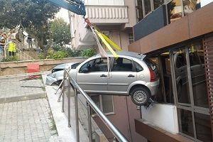 Aracının viteslerini karıştırınca ölümden döndü!.26521