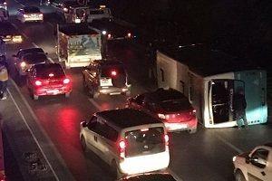 İstanbul'da otobüs devrildi: 6 yaralı