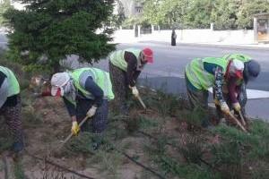 Seydişehir Belediyesi park ve bahçelerde kadınların rolü büyük.23733