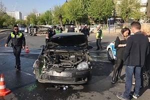 Askeri araç ile otomobil kaza yaptı: 5 yaralı.31551