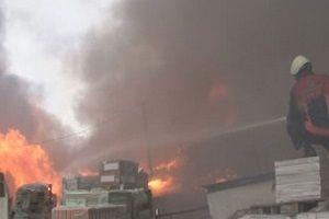 İstanbul'da yapı market deposunda yangın!.9131