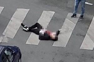 Paris'te bıçaklı saldırı: Ölü ve yaralılar var.14618