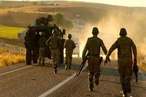 PKK'lı teröristlerle asker arasında çatışma!.18617