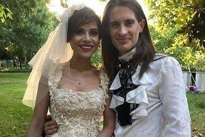 Aydilge, 35 kiloluk gelinliğiyle evlendi.28147