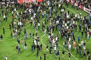 Beşiktaş taraftarı, yönetimin yasağını deliyor.35704